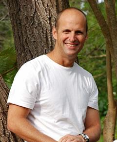 Gary Kirsten supports the Groote Schuur Neonatal Unit